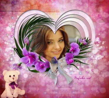 Hermoso fotomontaje romántico en un corazón adornado con flores y un
